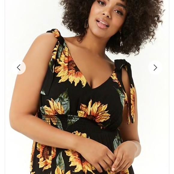 Plus Size Sunflower Print Maxi Dress